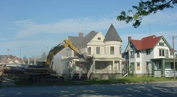 Demolishing 1327 Pine Grove Ave., PH