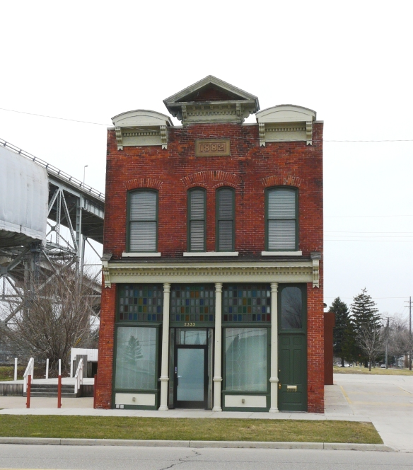 2333 Gratiot Avenue, dated 1882. This building is amazing for having so much that is original still intact. Photo from March 2016.